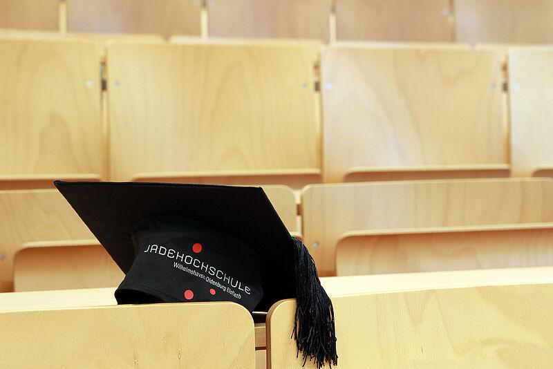 Lorkowski ist erster Absolvent des hochschuleigenen Promotionsprogramms