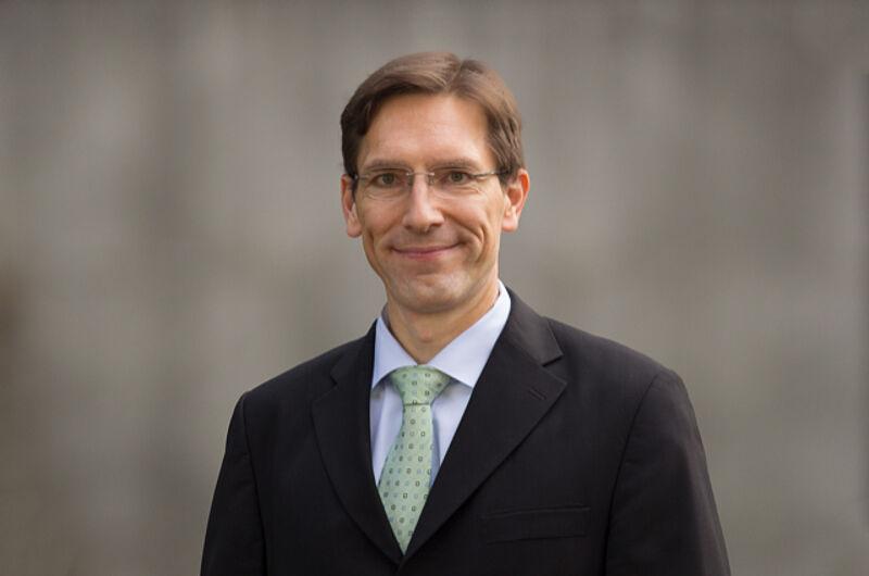 """Durch Kompetenz überzeugt: Janßen ist jetzt Mitglied im Fachbeirat des """"BankPraktikers"""""""