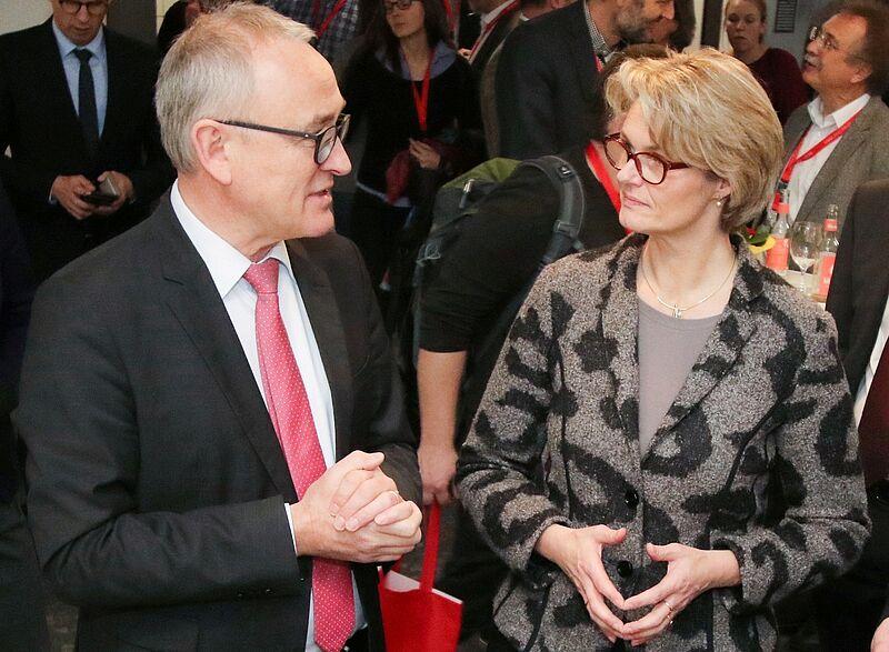 Ministerin Karliczek besucht Jade Hochschule