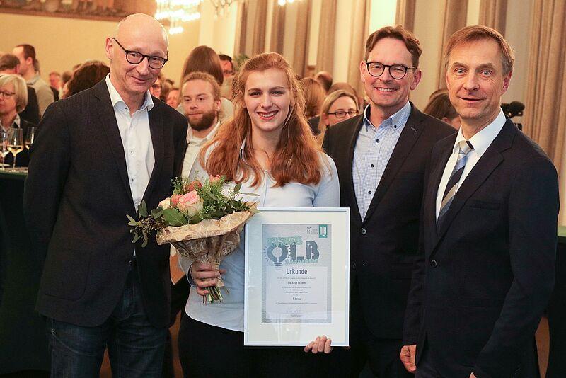 Studentin der Jade Hochschule mit OLB-Wissenschaftspreis ausgezeichnet