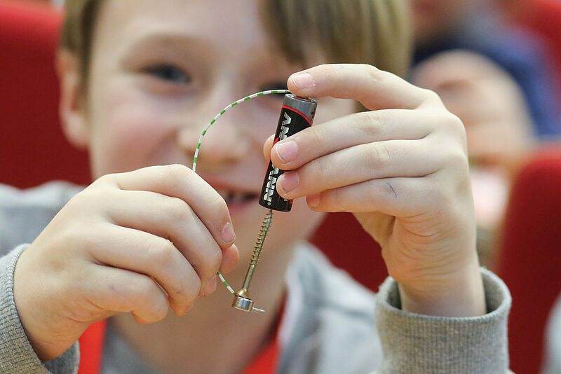 Jade Kinderhochschule - Wilhelmshavener Hörsaal unter Strom