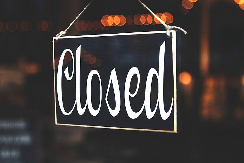 Corona: Gebäude geschlossen - buildings closed