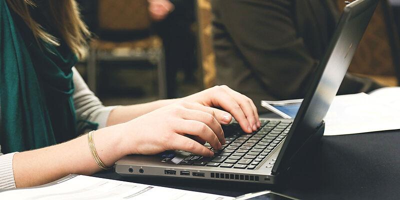 Nachgefragt: Prof. Dr. Holger Saß zieht Fazit zur digitalen Lehre