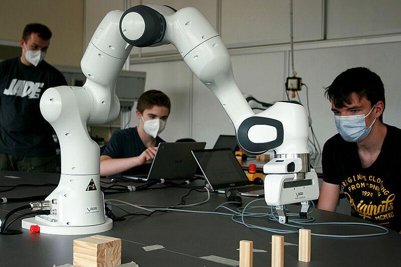 Roboter programmieren mit Spaß und Einsatz