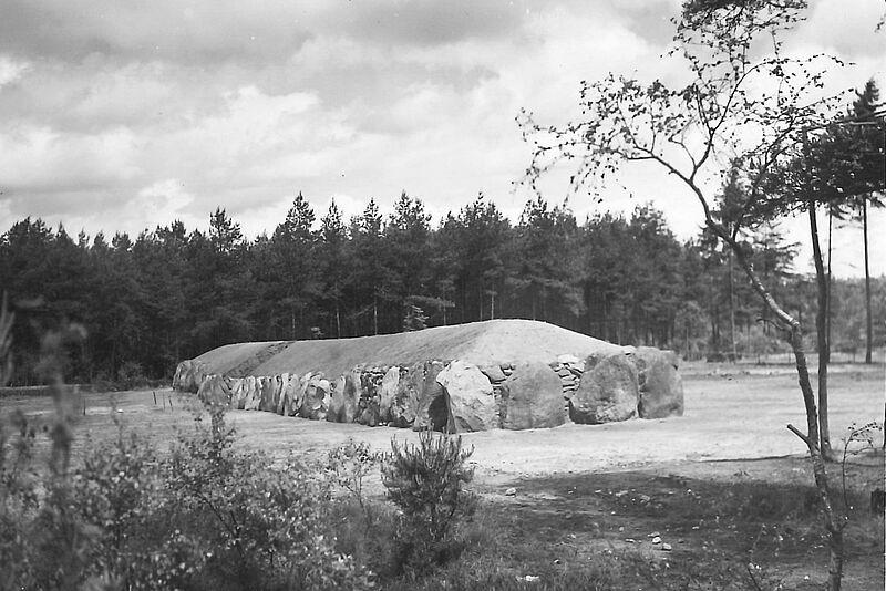 Alte Fotos der Großsteingräber von Kleinenkneten gesucht